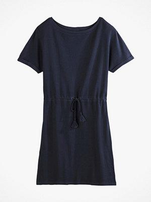 La Redoute Vid klänning med rund halsringning och kort ärm