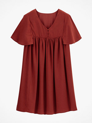 La Redoute Utställd klänning med V-ringning och kort volangärm