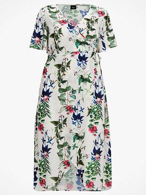 Zizzi Omlottklänning mDanica S/S Dress