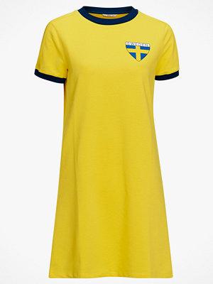 Ellos Klänning med Sverige-tryck