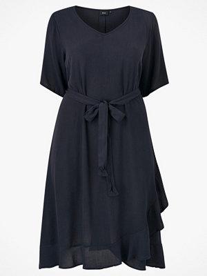Zizzi Klänning vcIgga S/S Knee Dress
