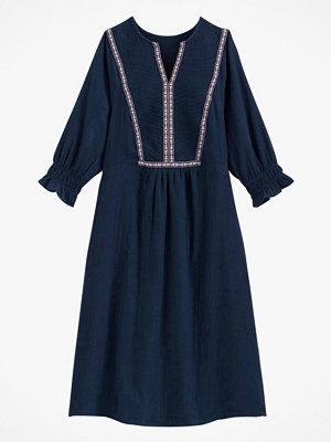 La Redoute Utställd klänning med sprund i halsringningen och trekvartslång ärm