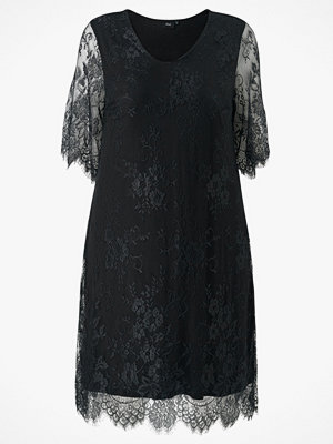 Zizzi Spetsklänning xYana Knee Lace Dress