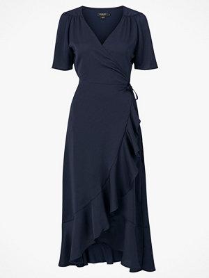 Soaked in Luxury Klänning Karven Dress