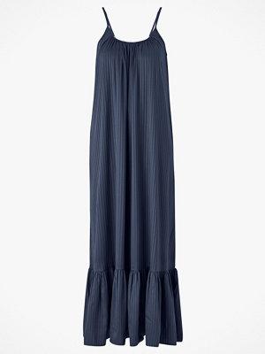 Y.a.s Maxiklänning Leora Strap Maxi Dress