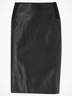 Vero Moda Kjol vmButtersia HW Coated Skirt