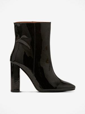 Henry Kole Boots Joan Patent