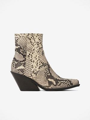 Snygga boots & kängor från Henry Kole Modegallerian