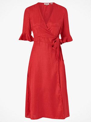 Soaked in Luxury Omlottklänning Jytte Dress