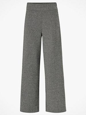 Gina Tricot Byxor Bella Fishbone Trousers grå