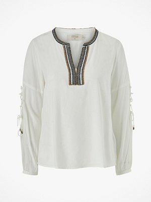Cream Blus Luxa Blouse