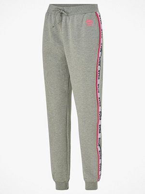 Svea Joggingbyxor Svea Woven Logo Tape Sweat Pants ljusgrå med tryck
