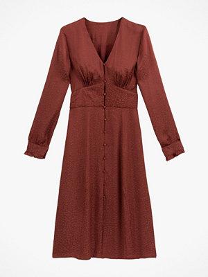La Redoute Midiklänning med V-ringning och lång ärm