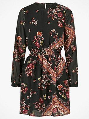 Only Klänning onlNina L/S Short Dress
