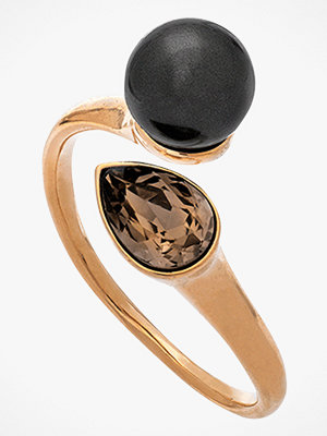 Lily and Rose smycke Ring Ella Black Pearl