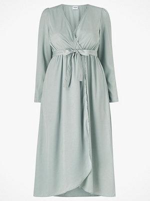 Vero Moda Curve Maxiklänning vmJulia V-neck LS Calf Dress Vma Curve