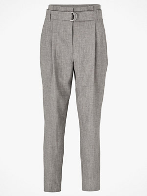 Y.a.s Byxor yasJennifer HW Cropped Pant grå
