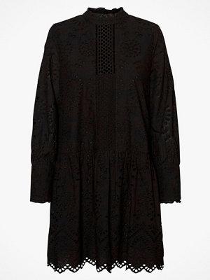Vero Moda Klänning vmPerfect Emb L/S Short Dress