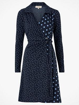 Cream Omlottklänning SuedaCR Wrap Dress
