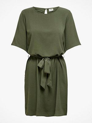 Jacqueline de Yong Klänning jdyAmanda Belt Dress