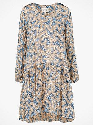 Second Female Klänning Wildly Short Dress