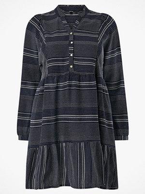 Vero Moda Klänning vmHazel LS Short Dress Wvn Curve