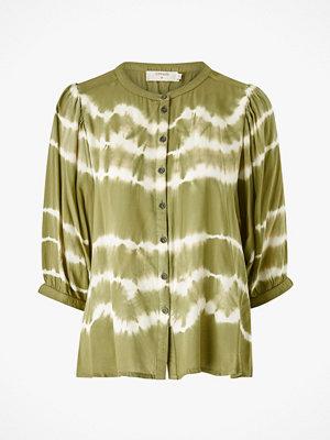Cream Blus TarahiCR Shirt