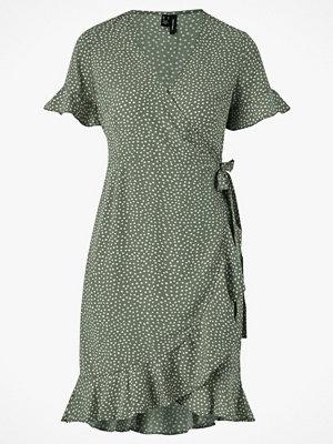 Vero Moda Omlottklänning vmHenna 2/4 Wrap Frill Dress