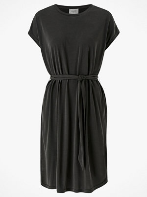 Second Female Klänning Celeste New Dress