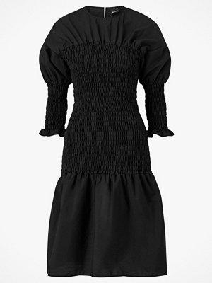 Gina Tricot Klänning Magdalena Smock Dress