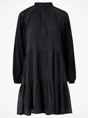 Gina Tricot Klänning Alfina Dress