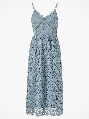Y.a.s Klänning yasLuie Strap Midi Dress