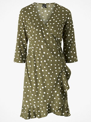 Vero Moda Omlottklänning vmHenna 3/4 Wrap Dress