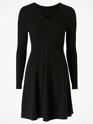 Only Klänning onlString L/S Dress Knt