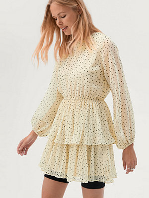 Gina Tricot Klänning Amber Pleated Dress
