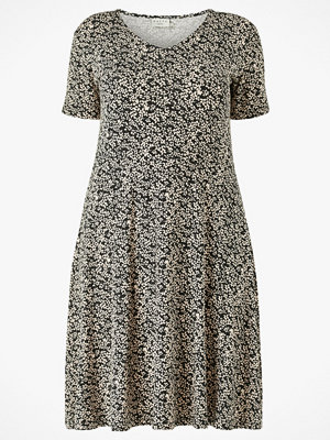 KAFFE Curve Klänning kcMovi Dress