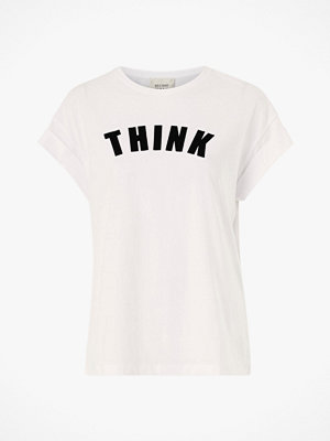Second Female Topp Think Tee