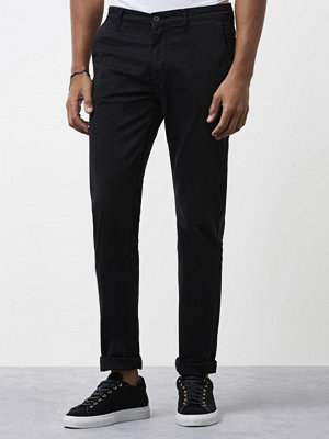 Velour by Nostalgi Adan Chino Black
