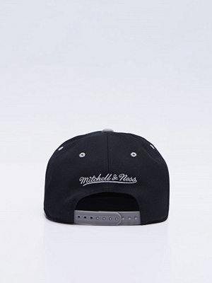 Kepsar - Mitchell & Ness Team Arch Snapback Brooklyn Nets Black/Grey