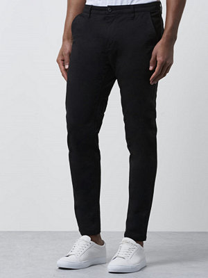Mouli Nick Chinos Black