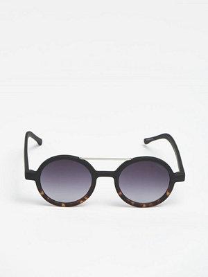 Solglasögon - Komono Vivien Matte Black/Tortoise