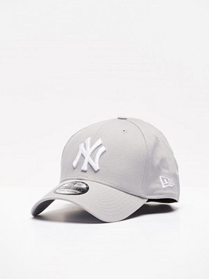 Kepsar - New Era Classic 39 Thirty NY Yankees Grey/White