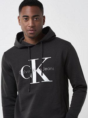 Street & luvtröjor - Calvin Klein Jeans True Icon Hoodie 965 Black