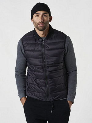 Västar - Studio Total Buxton Lightweight Vest Black