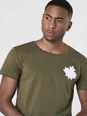 T-shirts - Proud Canadian Leaf Cheast Tee Army