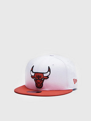 Kepsar - New Era 9Fifty Chicago Bulls White Top White/Scarlet