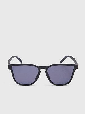 Solglasögon - Le Specs History Black Rubber/Smoke Mono