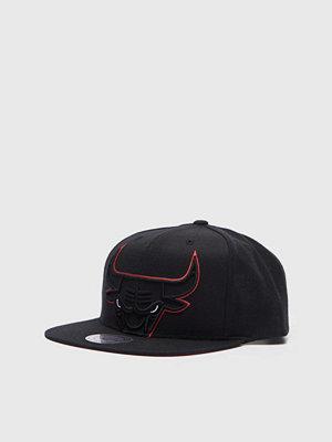 Kepsar - Mitchell & Ness Cropped XL Snapback Chicago Bulls Black