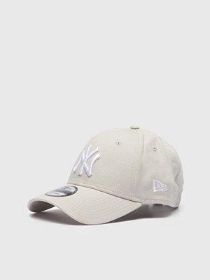 Kepsar - New Era 9 Forty New York Yankees Stone White
