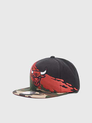 Kepsar - Mitchell & Ness Camo Paintbrush Snapback Chicago Bulls Black